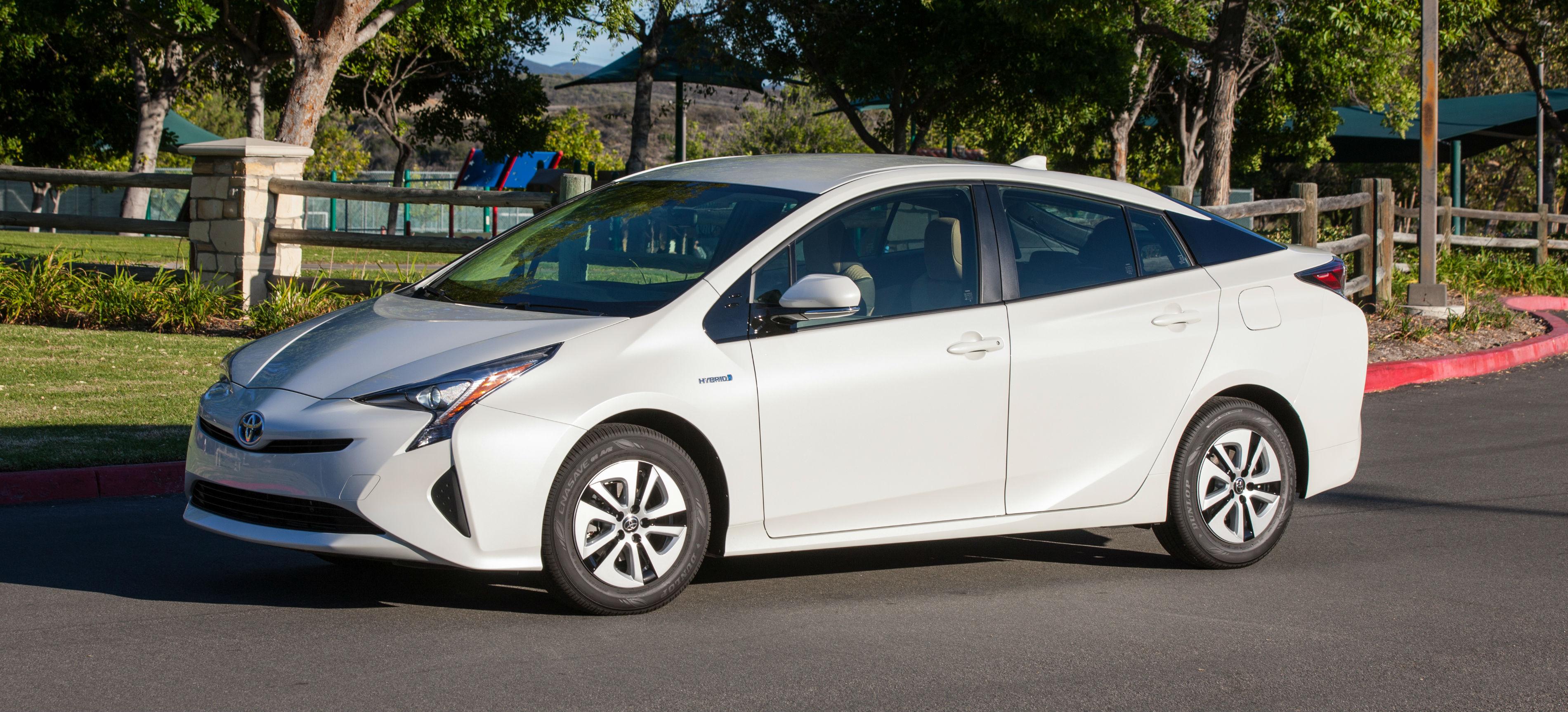 2016_Toyota_Prius_Two_Eco_13.jpg
