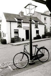 Annette black and white bike